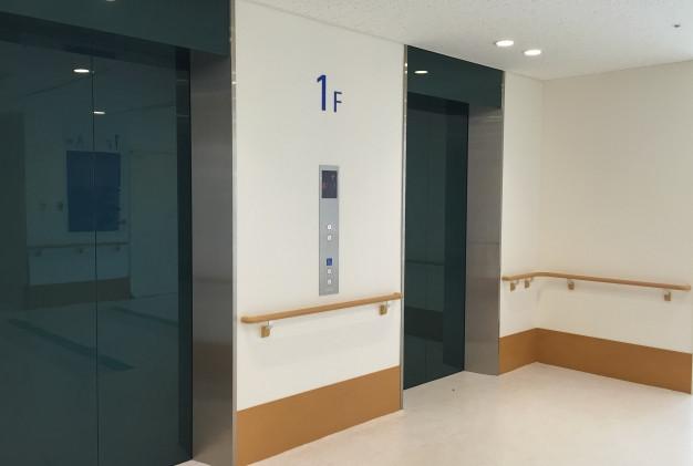 エレベーターの数を確認する